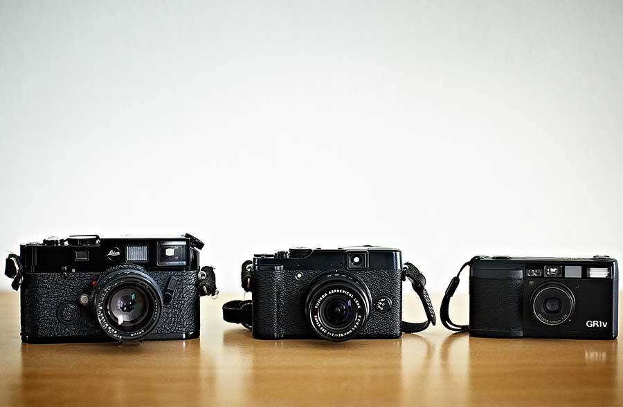 Fuji X10 takes to the Streets - Invisible Photographer Asia (IPA)