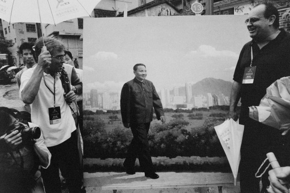 Deng Xiaoping under the brush of a painter from Dafen Village. 2005 © Yu Haibo