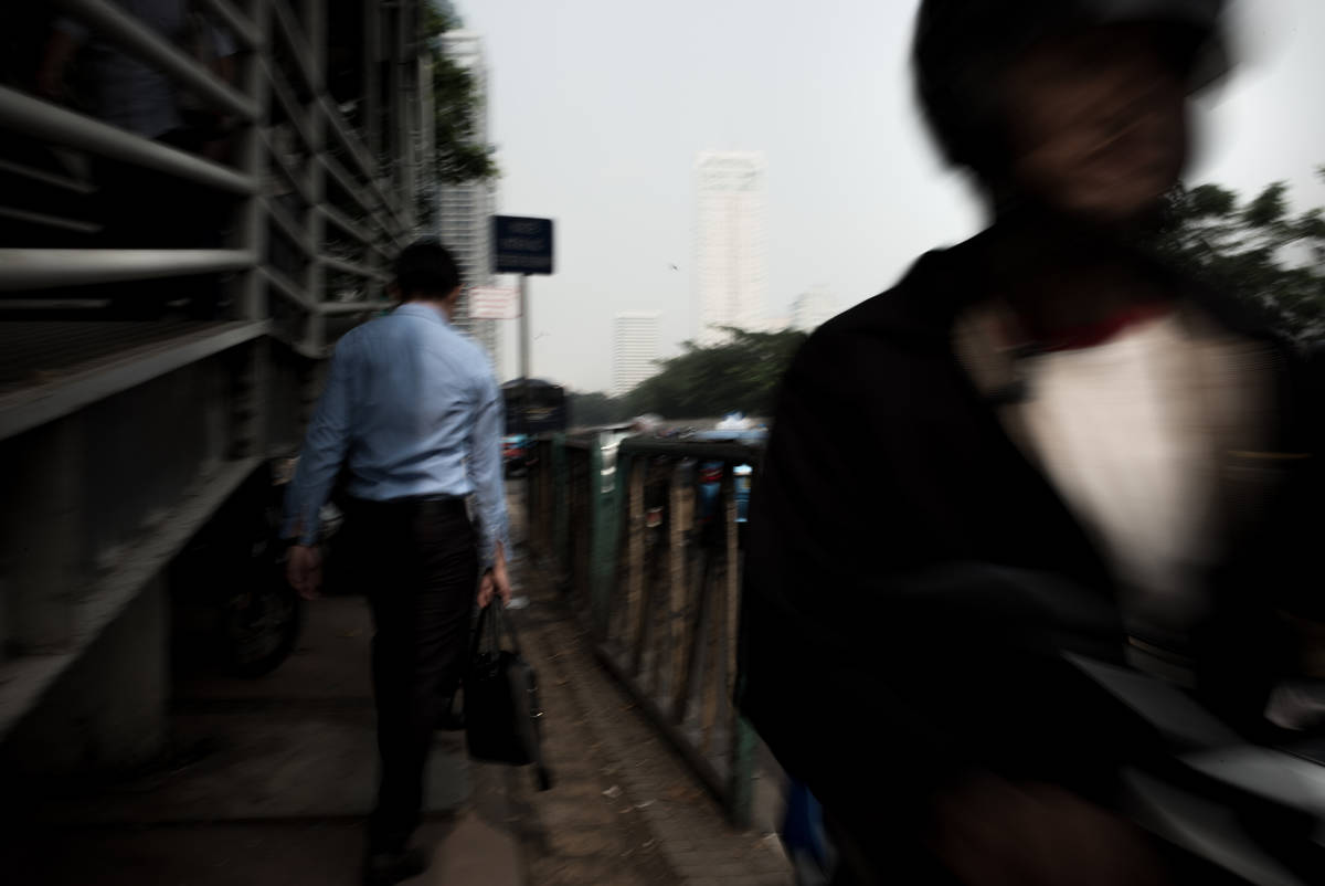 Jakarta Megacity and the Seduction of Walking