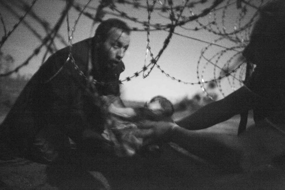 World Press Photo of The Year 2016, by Warren Richardson.