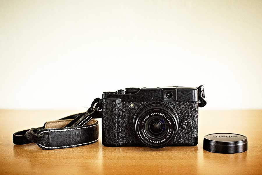 First Impressions of the Fuji X10 - Invisible Photographer