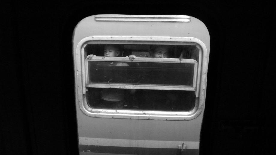 rony-ariyanto-nugroho_02_train-passanger
