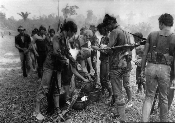 [ Communist Rebels, 1982 / From Kasama / Courtesy of Alex Baluyut ] Source: Zhuang Wubin